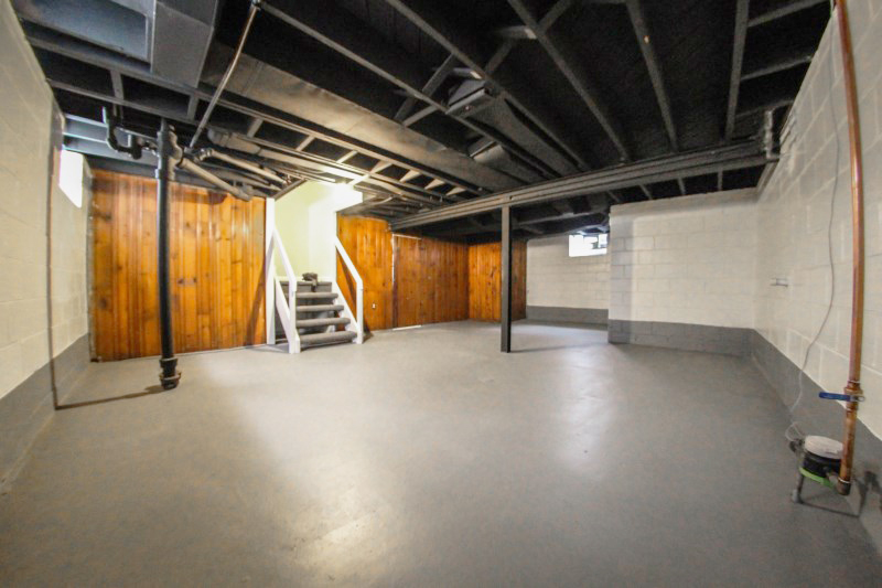 zsmall_011_basement